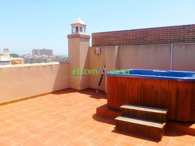 Primera agencia dedicada exclusivamente al alquiler de - Jacuzzi en terraza ...